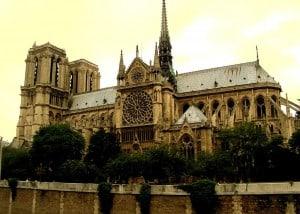 Cathédrale_Notre-Dame_de_Paris_-_Façade_Sud