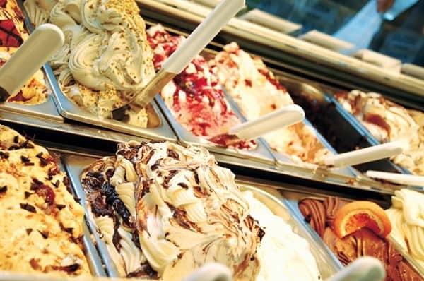 ความแตกต่างระหว่างเจลาโต้และไอศกรีมทั่วไป