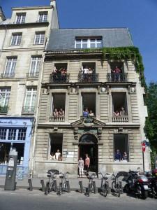 FL-Paris-Notre-Dame---The-school