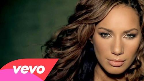 แปลเพลง Bleeding Love - Leona Lewis