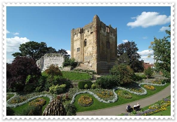 เรียนภาษาที่กิลฟอร์ด - the castle garden