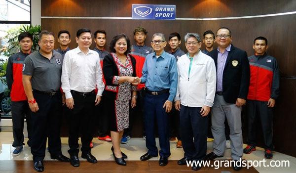 ฟลอร์บอลทีมไทย ขอบคุณผู้สนับสนุน แกรนด์สปอร์ต