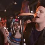 แปลเพลง HOLD ME TIGHT OR DON'T – Fall Out Boy ความหมายเพลง