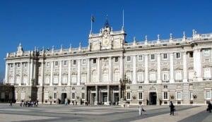800px-Palacioreal_madrid