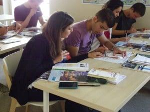 FL-Paris-Notre-Dame---Students-3