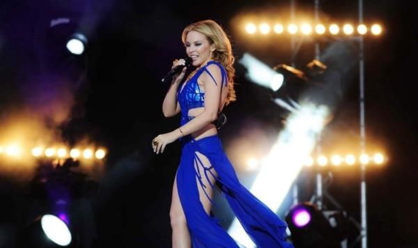 แปลเพลง Put Your Hands Up (If you feel love) - Kylie Minogue