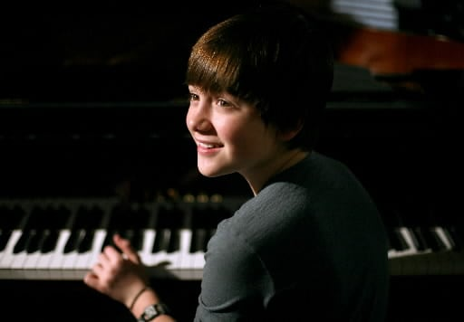 แปลเพลง Home Is In Your Eyes - Greyson Chance