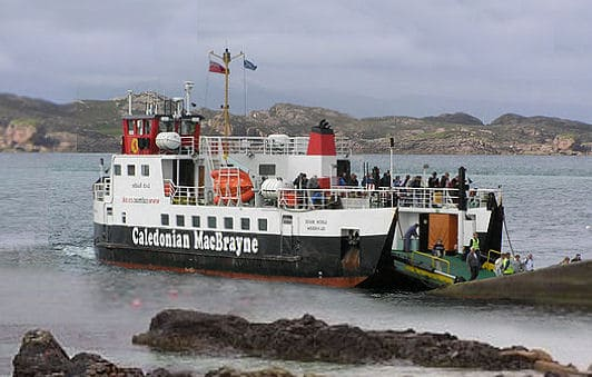 ferry-arriving-from-fionnphort-3-d