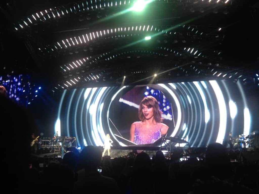 1989 World Tour in Singapore | Pic by Educatepark.com
