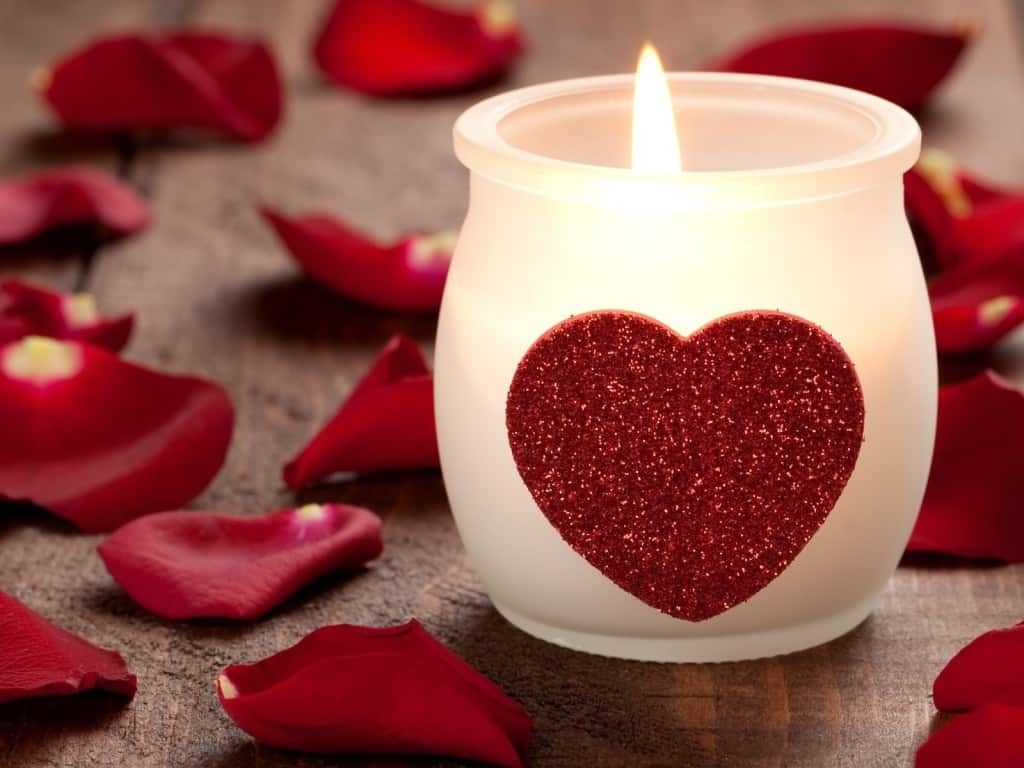 love-heart-candle-hd-wallpapers-cool-desktop-background-images-widescreen_xlzvZvX