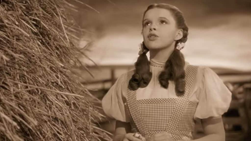 แปลเพลง Somewhere Over The Rainbow - Judy Garland เนื้อเพลง