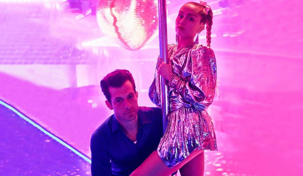 แปลเพลง Nothing Breaks Like a Heart - Mark Ronson Featuring Miley Cyrus