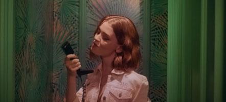 แปลเพลง Adore You - Maisie Peters ความหมายเพลง Adore You