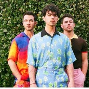 แปลเพลงLike It's Christmas - Jonas Brothers เนื้อเพลง