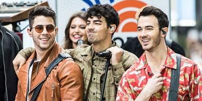 แปลเพลงLike It's Christmas - Jonas Brothers ความหมายเพลง